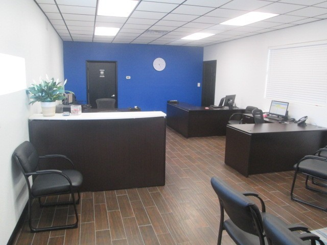 Friendly Faces And Experienced Staff Members At Car Guys Collision Repair