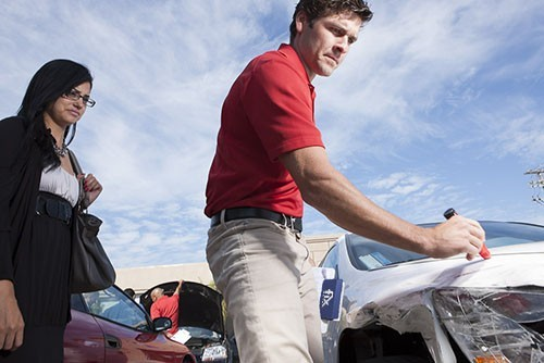 Complete and accurate damage estimates are done by very experienced people. If knowledge coupled with experience is what you are looking for, look no further.  Fix Auto Express Gresham, in Gresham, OR, 97030 is the place for you.