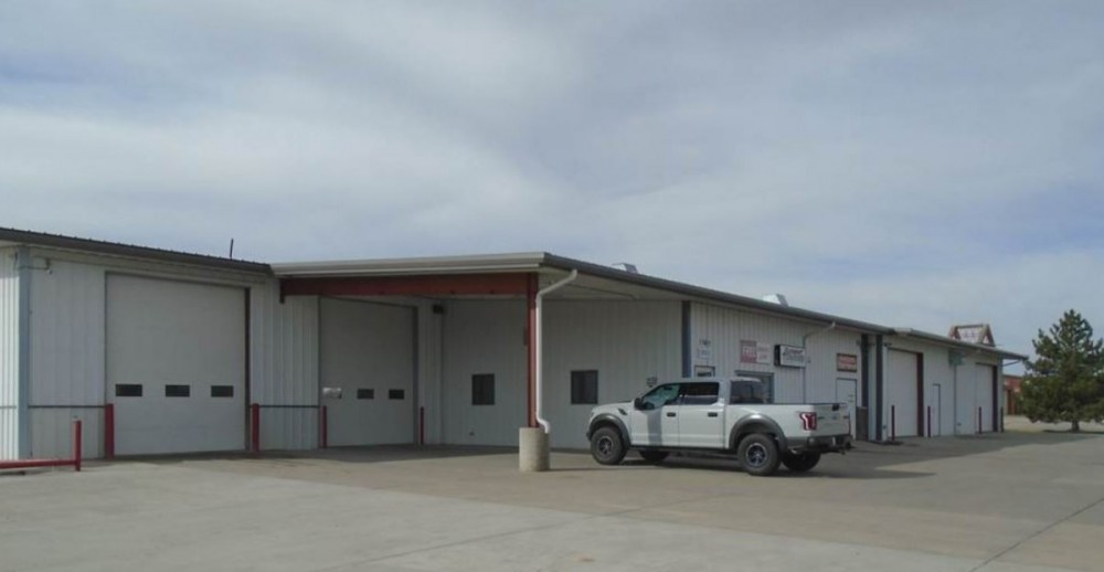 At Scottsbluff Body & Paint, you will easily find us located at Scottsbluff, NE, 69361. Rain or shine, we are here to serve YOU!