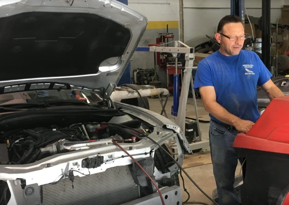 Collision structure and frame repairs are critical for a safe and high quality repair.  Here at American Auto Collision, in Royal Palm Beach, FL, 33411, our structure and frame technicians are I-CAR certified and have many years of experience.