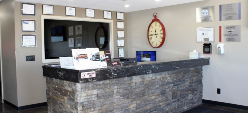At Crouse Body Shop, located at Warsaw, IN, 46580, we have friendly and very experienced office personnel ready to assist you with your collision repair needs.