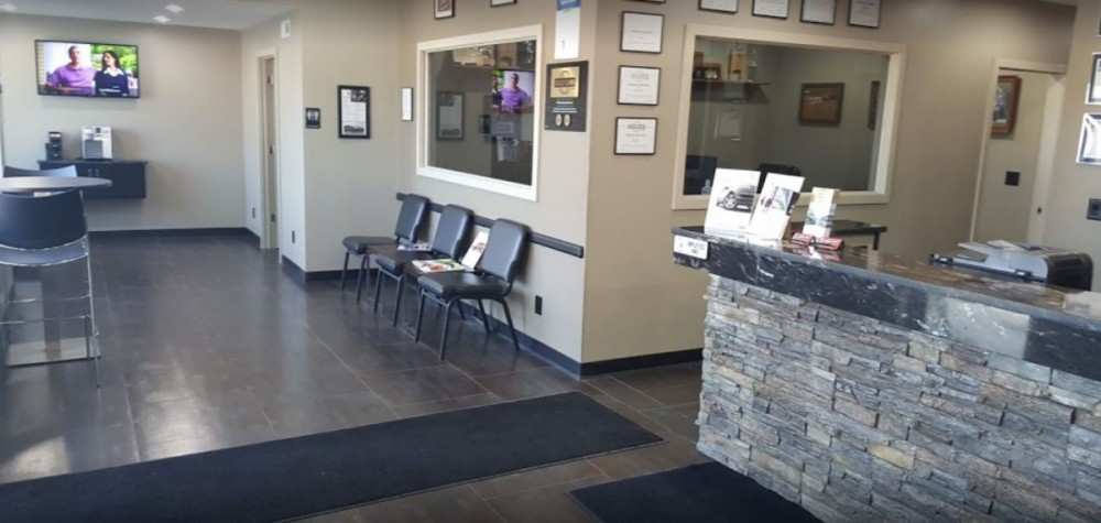 Here at Crouse Body Shop, Warsaw, IN, 46580, we have a welcoming waiting room.