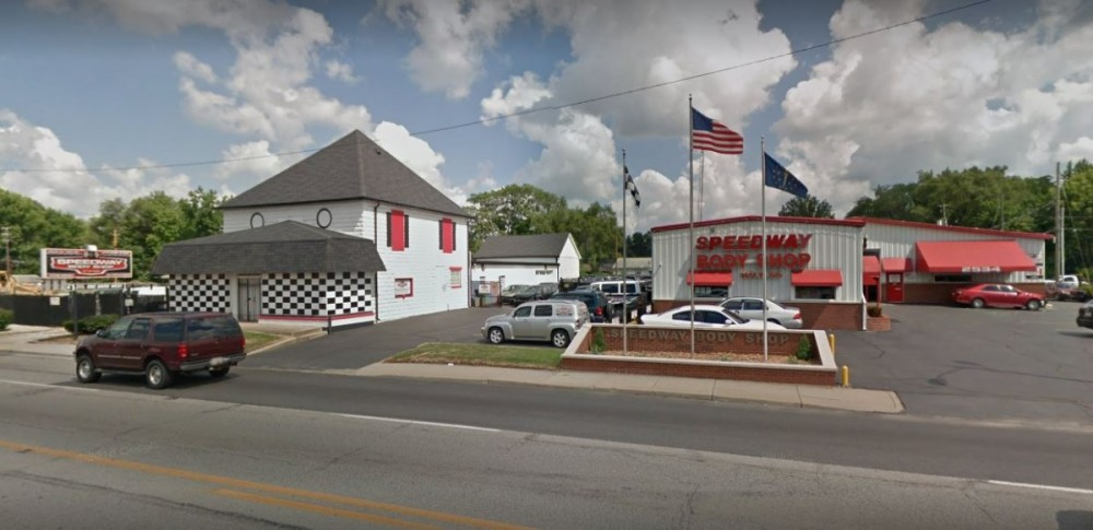 At Speedway Body Shop, you will easily find us located at Indianapolis, IN, 46222. Rain or shine, we are here to serve YOU!