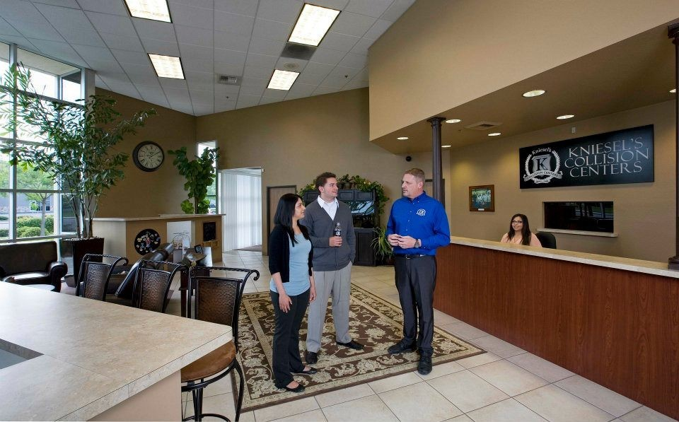Kniesel's Collision Centers - Natomas