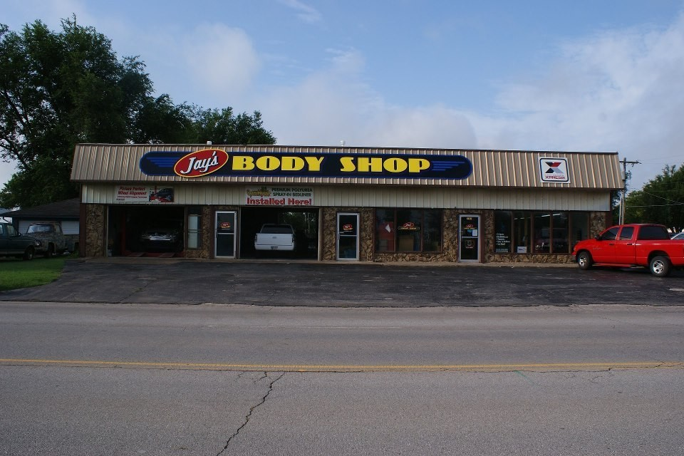 Friendly faces and experienced staff members at Jay's Body Shop, in El Reno, OK, 73036, are always here to assist you with your collision repair needs.
