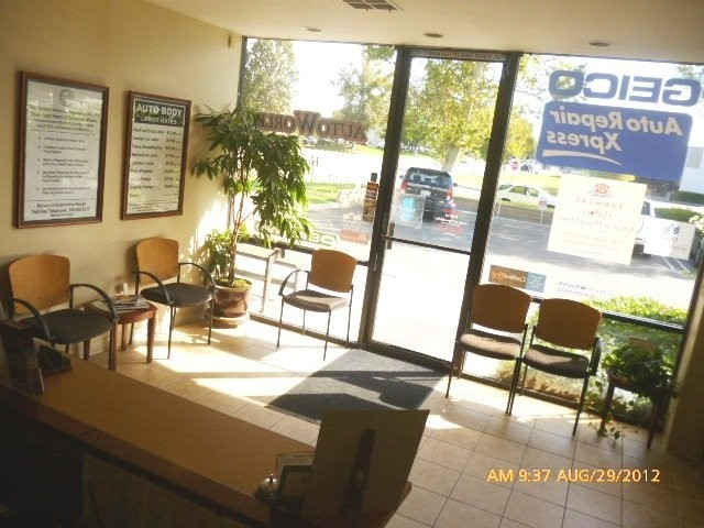 Our body shop's business office located at Valencia, CA, 91355-1211 is staffed with friendly and experienced personnel.