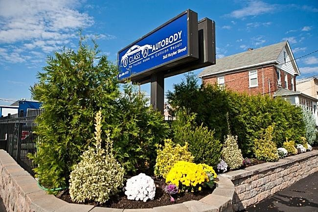 Class A Autobody - South Hackensack - We are Centrally Located at South Hackensack, NJ, 07606 for our guest's convenience and are ready to assist you with your collision repair needs.