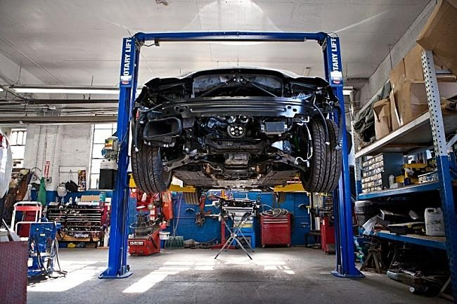 Professional vehicle lifting equipment at Class A Auto Body - Hackensack, located at Hackensack, NJ, 07601, allows our damage estimators a clear view of all collision related damages.