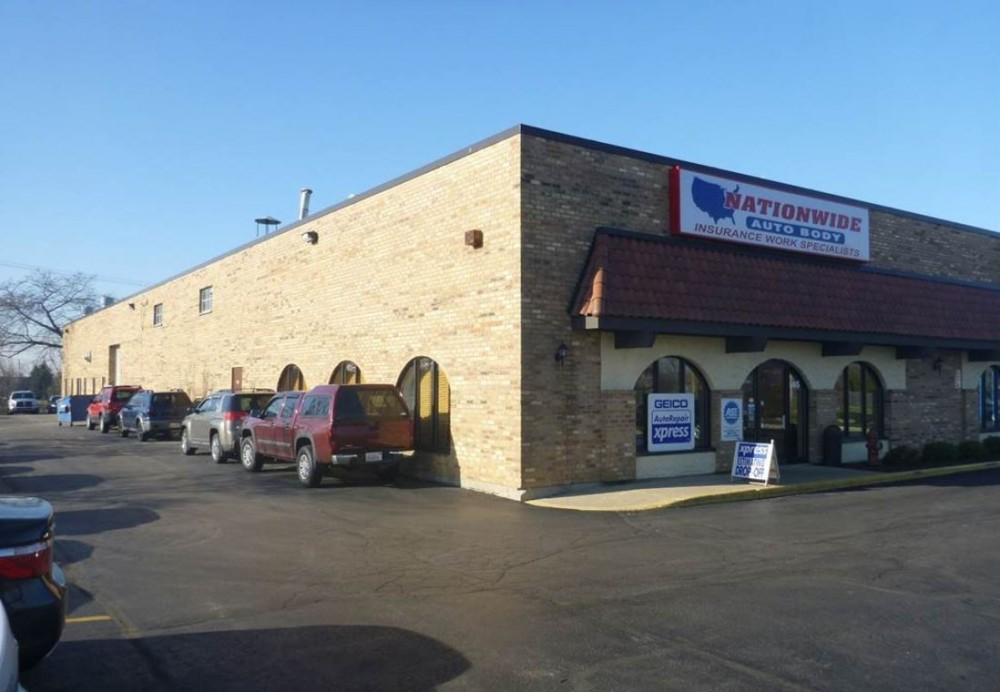 Nationwide Auto Body Network - At Schaumburg, we're conveniently located at IL, 60193, and are ready to help you today!
