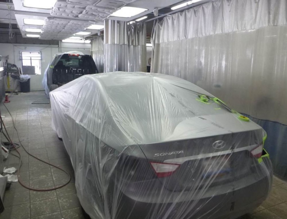Nationwide Auto Body Network - A clean and neat refinishing preparation area allows for a professional job to be done at Nationwide Auto Body Network, Schaumburg, IL, 60193.