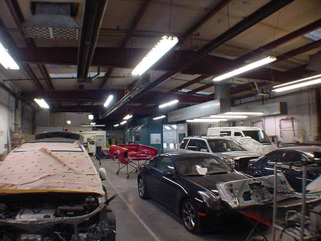 Absolute Auto Body - 17830 Hwy 99 