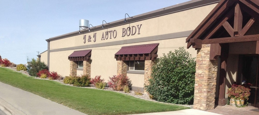 J & J Auto Body