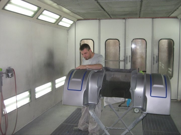 J & J Auto Body 2610 Garrett Way Pocatello, ID 83201 Collision Repair Experts. Auto Body & Painting Specialists. Our Refinishing Technicians are Skilled and get Excellent Results.