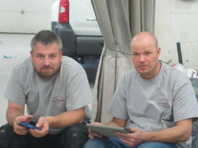 J & J Auto Body 2610 Garrett Way Pocatello, ID 83201 Collision Repair Experts. Auto Body & Painting Specialists.  New painting Technics and materials require good ideas  and communications between team members..
