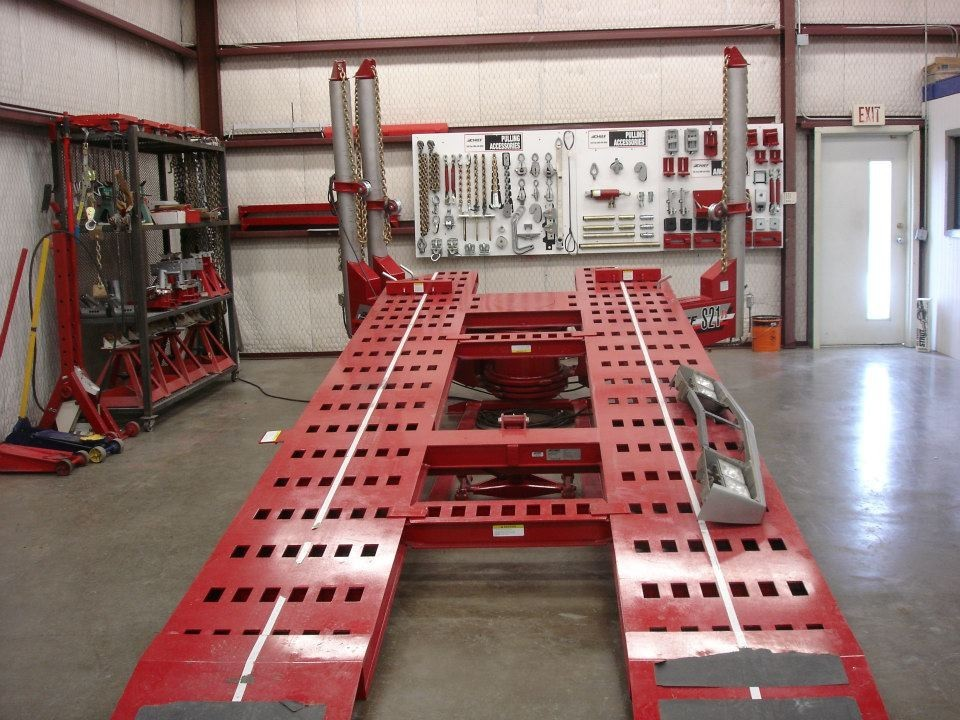 Here at Drury Body Shop, Amarillo, TX, 79109, professional structural measurements are precise and accurate.  Our state of the art equipment leaves no room for error.
