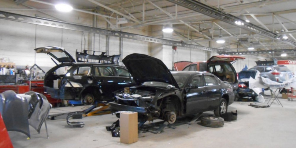 We are a professional quality, Collision Repair Facility located at Baltimore, MD, 21215. We are highly trained for all your collision repair needs.