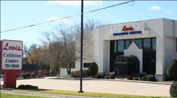 We are centrally located at Springdale, AR, 72764 for our guest's convenience and are ready to assist you with your collision repair needs.