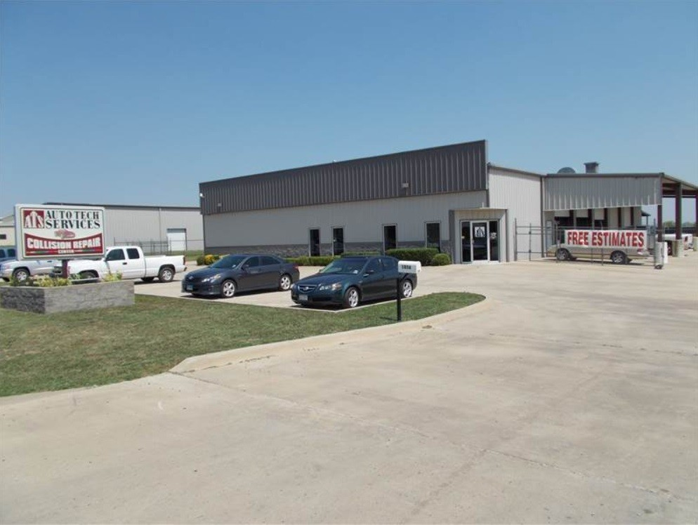 We are Centrally Located at Mansfield, TX, 76063 for our guest's convenience and are ready to assist you with your collision repair needs.