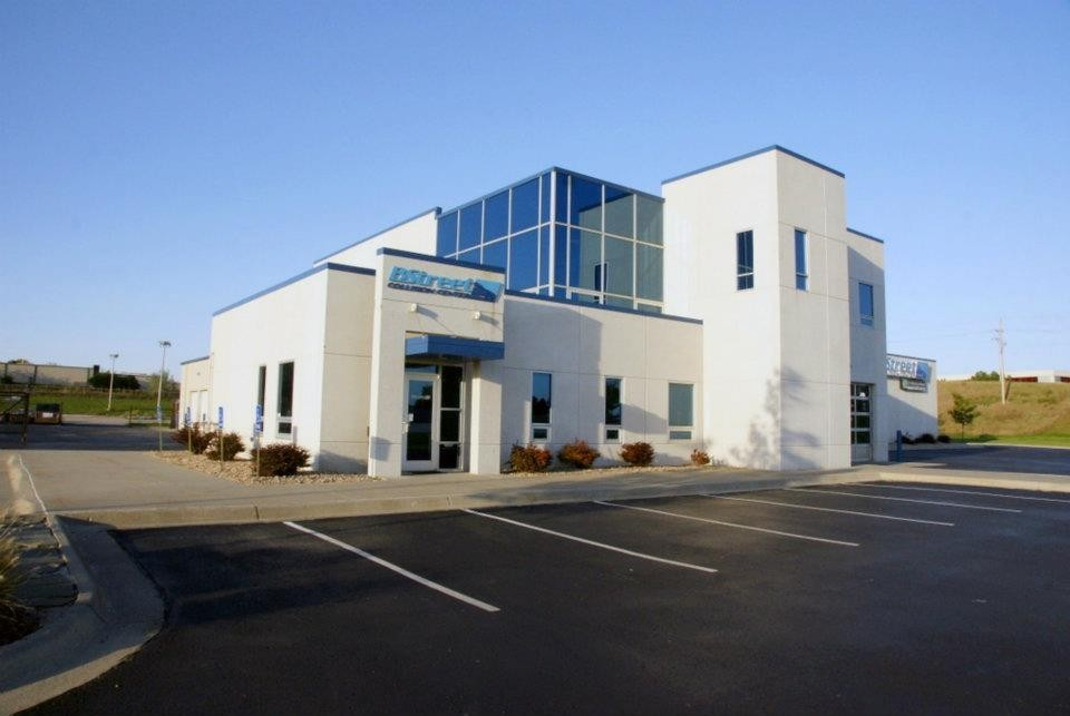 B Street Collision Center