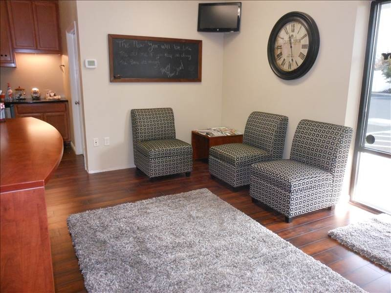 The waiting area at our body shop, located at Auburn, CA, 95602 is a comfortable and inviting place for our guests.