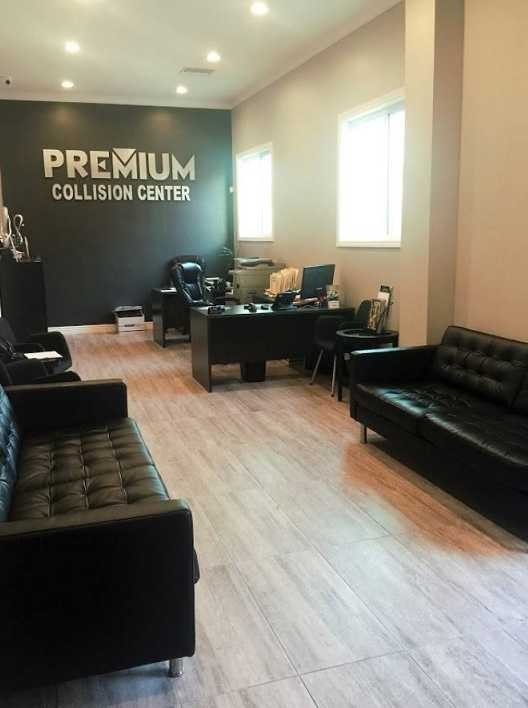 The waiting area at our body shop, located at West Hollywood, CA, 90038 is a comfortable and inviting place for our guests.