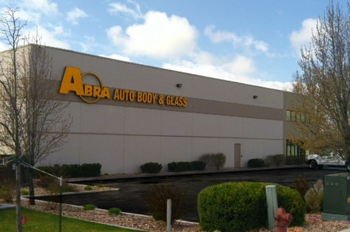 abra-auto-body-collision-glass-windshield-paintless-dent-repair-shop-location-American-Fork-UT-84003