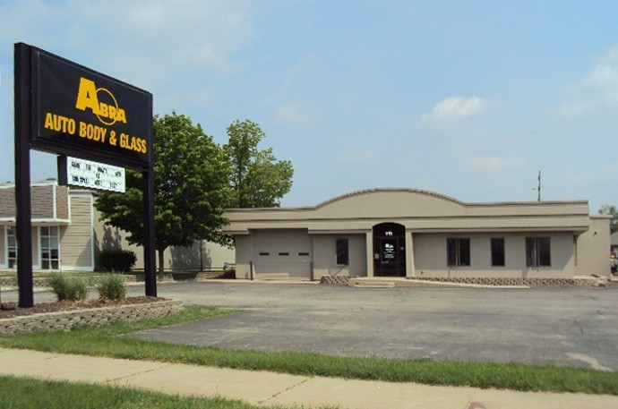 abra-auto-body-collision-glass-windshield-paintless-dent-repair-shop-location-Holland-MI-49242