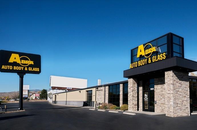 abra-auto-body-collision-glass-windshield-paintless-dent-repair-shop-location-Wheat-Ridge-CO-80033