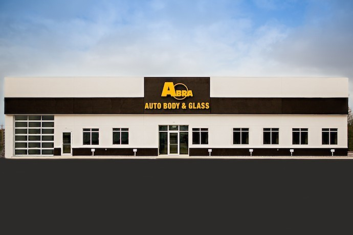 abra-auto-body-collision-glass-windshield-paintless-dent-repair-shop-location-New-Lisbon-WI-53950-v2