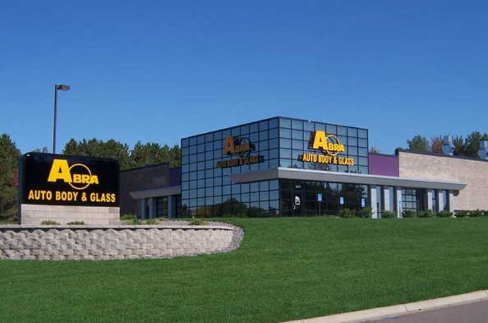 abra-auto-body-collision-glass-windshield-paintless-dent-repair-shop-location-Elk-River-MN-55330