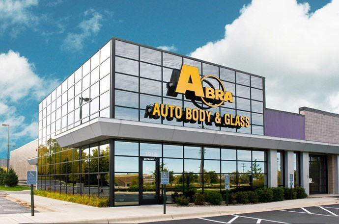 abra-auto-body-collision-glass-windshield-paintless-dent-repair-shop-location-Roseville-MN-55113