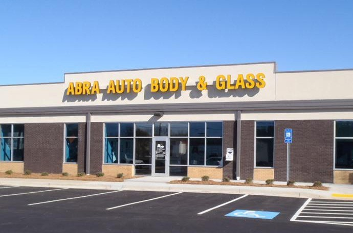 abra-auto-body-collision-glass-windshield-paintless-dent-repair-shop-location-Roswell-GA-30076