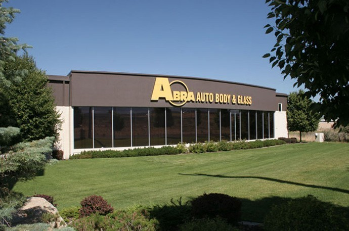 abra-auto-body-collision-glass-windshield-paintless-dent-repair-shop-location-Sandy-UT-84070