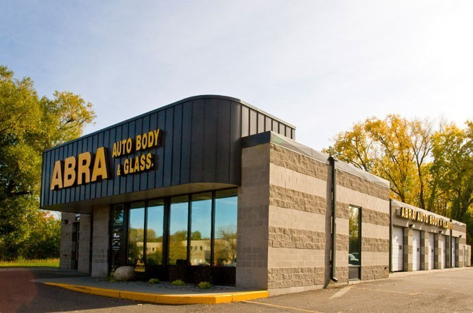 abra-auto-body-collision-glass-windshield-paintless-dent-repair-shop-location-West-St-Paul-MN-55118