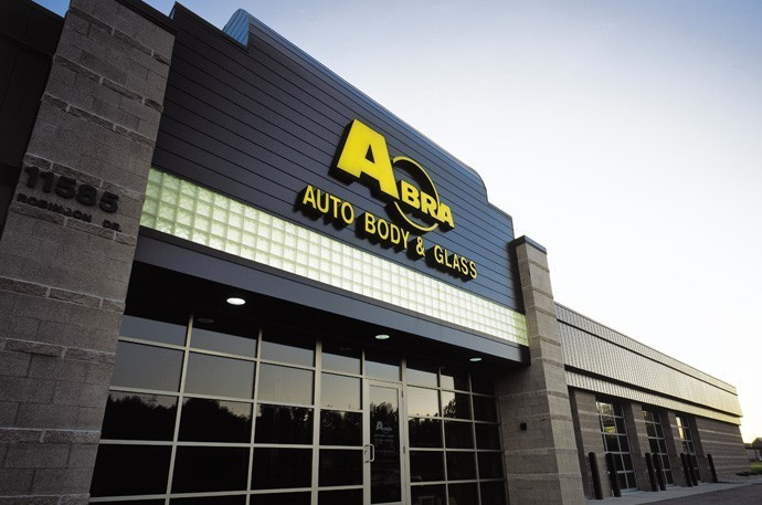 abra-auto-body-collision-glass-windshield-paintless-dent-repair-shop-location-Coon-Rapids-MN-55433