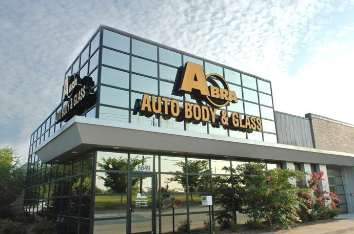 abra-auto-body-collision-glass-windshield-paintless-dent-repair-shop-location-Morrow-GA-30260
