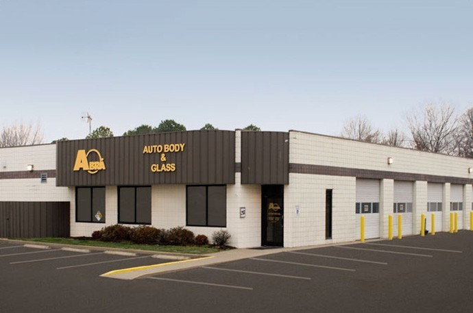 abra-auto-body-collision-glass-windshield-paintless-dent-repair-shop-location-Patriot-Drive-TN-38018