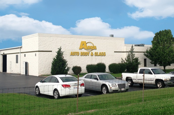 abra-auto-body-collision-glass-windshield-paintless-dent-repair-shop-location-OFallon-IL-62269