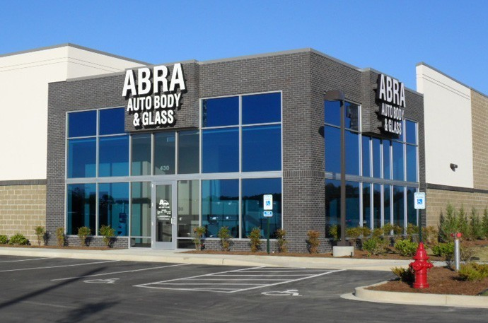 abra-auto-body-collision-glass-windshield-paintless-dent-repair-shop-location-Collierville-TN-38017