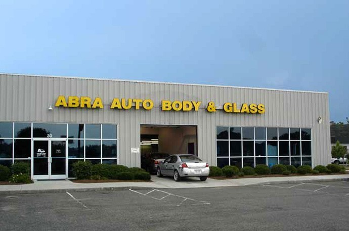 abra-auto-body-collision-glass-windshield-paintless-dent-repair-shop-location-Shallotte-NC-28459