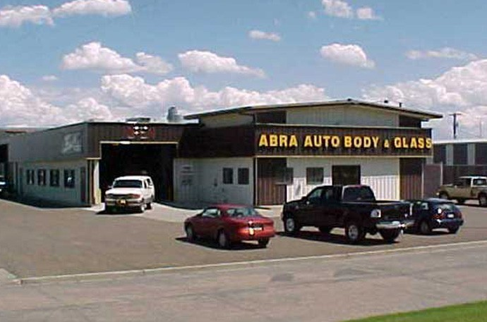 abra-auto-body-collision-glass-windshield-paintless-dent-repair-shop-location-Bismarck-ND-58504