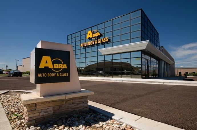 abra-auto-body-collision-glass-windshield-paintless-dent-repair-shop-location-Parker-CO-80134