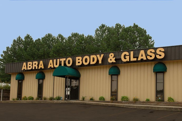 abra-auto-body-collision-glass-windshield-paintless-dent-repair-shop-location-North-Fulton-GA-30350