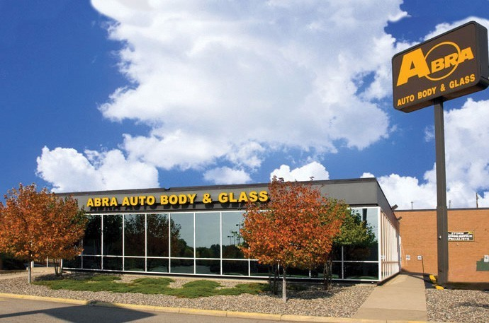 abra-auto-body-collision-glass-windshield-paintless-dent-repair-shop-location-St-Louis-Park-MN-55416