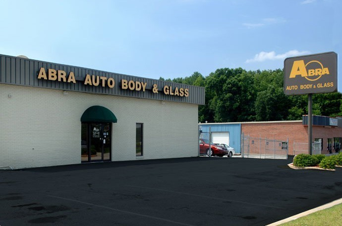 abra-auto-body-collision-glass-windshield-paintless-dent-repair-shop-location-Lawrenceville-GA-30044