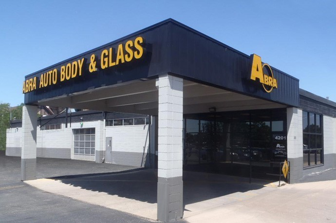 abra-auto-body-collision-glass-windshield-paintless-dent-repair-shop-location-Cherry-Creek-CO-80246