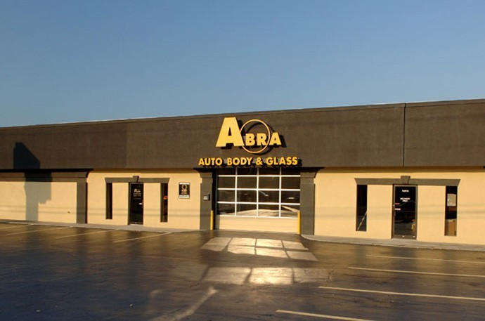 abra-auto-body-collision-glass-windshield-paintless-dent-repair-shop-location-Cobb-Parkway-GA-30060