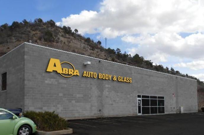 abra-auto-body-collision-glass-windshield-paintless-dent-repair-shop-location-Durango-CO-81301
