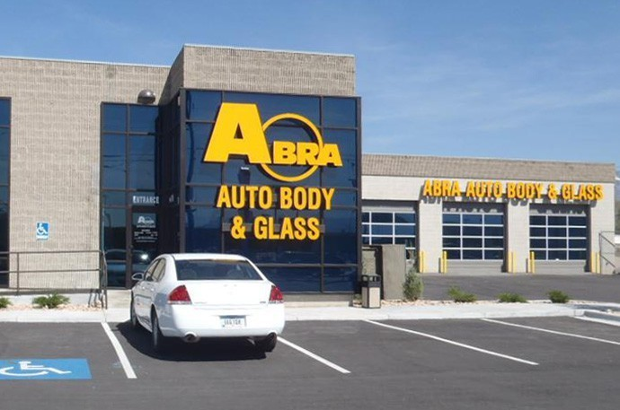 abra-auto-body-collision-glass-windshield-paintless-dent-repair-shop-location-Downtown-Salt-Lake-City-UT-84101