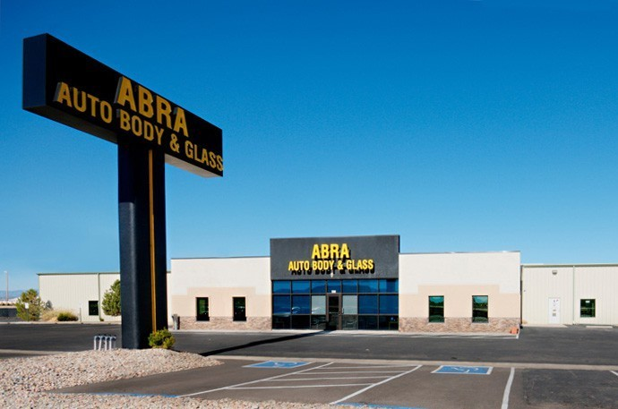abra-auto-body-collision-glass-windshield-paintless-dent-repair-shop-location-Pueblo-West-CO-81007